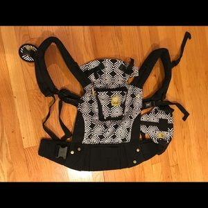 Lillebaby 6 in One baby carrier